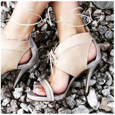 Sofie Bly shoes. #sofiebly #loveshoes #eco #vegetabletanned #leather #luxury #legs #instalegs #shoes #blogger #fashionvlogger #blonde #bombshell #black #beauty #beautiful #pittiuomo88 #pitti88 #pittiuomo #pitti #firenze #swedishdesign #lovefashion #fashion #blogger #fashionshoes #fashionblogger #smile