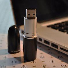 MAC Lipstick USB / 16 GB Flash Drive / Black / Silver