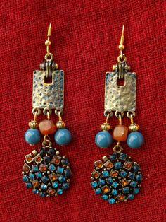Boucles d'oreilles longues, style bohème, à pendentif bleu canard et orange : Boucles d'oreille par mes-odalisques