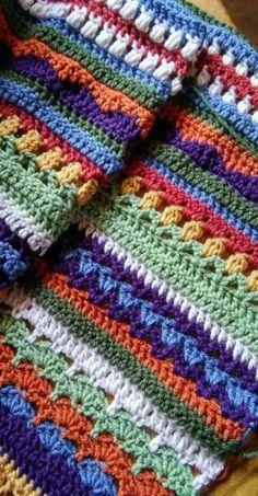 43 Ideas Knitting Blanket Pattern Scrap Source by mabelboufflet Scrap Yarn Crochet, Crochet Crafts, Crochet Projects, Diy Crafts, Afghan Crochet Patterns, Knitting Patterns, Knitting Ideas, Knitting Yarn, Crochet Afgans