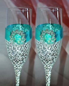 Tiffany Blue wedding glasses - Elegant Wedding Champagne Glasses-Turquoise Wedding glasses - Bride And Groom - Personalized Toasting Flutes on Etsy, $54.00