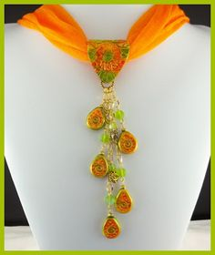 Crackle Medallion Scarf Jewelry - #polymerclay #pastepolimeriche