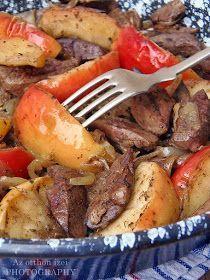 Az otthon ízei: Almás-hagymás csirkemáj Pot Roast, Ethnic Recipes, Food, Carne Asada, Roast Beef, Essen, Meals, Yemek, Eten