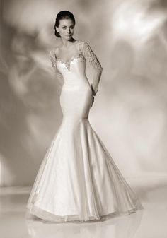 gorgeous wedding gown www.brayola.com