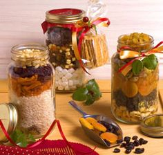Why not try holiday gift jars with rice pilaf or fruity smore bars.