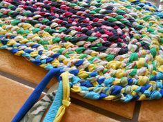 Lost Art of Braid-in Rag Rugs - Part 3 - Adding the 4th strand & turning the first corner