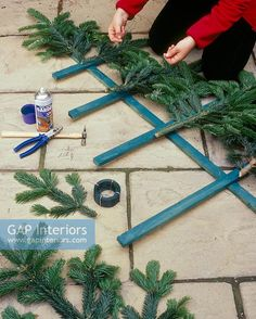 Whoooos Sneaking presents from under your tree? Begins shipping the last week of Sept Christmas Grouch Butt Stand Up Home Tree Decoration Wall Christmas Tree, Winter Christmas, Christmas Holidays, Christmas Wreaths, Christmas Ornaments, Vintage Christmas, Diy Natal, Tree Decorations, Christmas Decorations