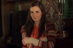 """OH SHIT. I'm so stupid. I just noticed Molly's wearing an ENGAGEMENT RING!!!! {As is Louise Brealey as lovelorn pathologist Molly. 