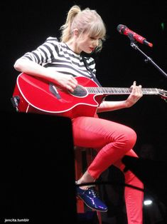 Welcome to your #1 source for Taylor Swift on tumblr. We do our best to bring you the latest news, pictures, and videos faster than taylornation. contact: tswiftdaily.tumblr@gmail.com ask: @tsdpersonal Located in Los Angeles. Taylor Swift Red Tour, Estilo Taylor Swift, Taylor Swift Concert, All About Taylor Swift, Live Taylor, Taylor Swift Songs, Taylor Swift Style, Red Taylor, Taylor Swift Pictures