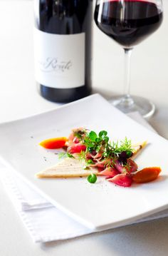 Spice Route - Venison starter Food Plating, Plating Ideas, Wine Images, Venison Recipes, Pretty Photos, Fabulous Foods, Creative Food, Healthy Drinks, Fine Dining