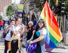 El Día Internacional del Orgullo LGBT o día del orgullo gay, es una conmemoración que se realiza cada 28 de junio en distintos países, donde se rememoran los disturbios de Stonewall (Nueva York, EE. UU.) ocurridos en 1969, que marcan el inicio del movimiento de liberación homosexual. En esta ocasión, por primera vez en Popayán se conmemorará este día con una marcha, que se realizará este martes. /Fotografía: Andrés Arará