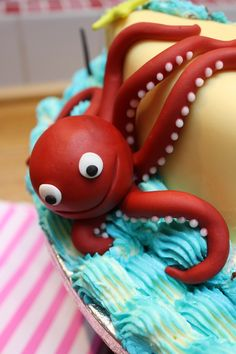 Close up of the Octopus on the Princess Pirate birthday cake. Made by me :-) Find me on Facebook, where I share my recipes www.facebook.com/ShinyRubbiePeople Or follow my blog on the website: www.shinyrubbiepeople.co.uk