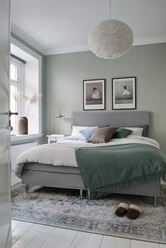 45 Best Ideas For One Bedroom Apartment Design – Room Decor Bedroom Green, Green Rooms, Bedroom Colors, Light Green Bedrooms, One Bedroom Apartment, Apartment Design, Home Decor Bedroom, Bedroom Ideas, Bedroom Inspiration