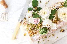 Recipe: Strawberry Moët & Chandon Swiss Cake Roll - decor8