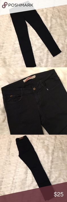 Zara Black Skinnies The Original TRF Collection. Great used condition. Zara Jeans Skinny