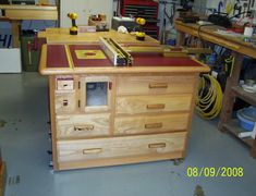 This assembly is MDF top, Baltic Birch case, formica wrapping and ash and oak trim. It includes a 7518 mounted in a PRL. The fence is Incra positioner. It has two exhaust ports. The drawers are full...