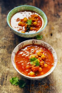 Middle-Eastern tomato soup with lentils and chickpeas