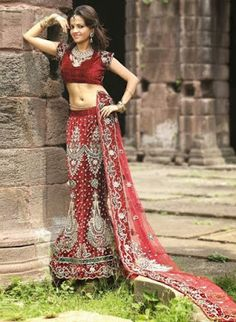 indian bridal lehenga choli fashion http://www.fashioncluba.com/2017/02/traditional-indian-bridal-wear-designer-lehenga-collection.html