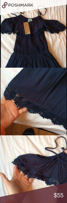 NWT off the shoulder dress SZ L NWT off the shoulder, navy, size L, SUPER CUTE Francesca's Collections Dresses Mini
