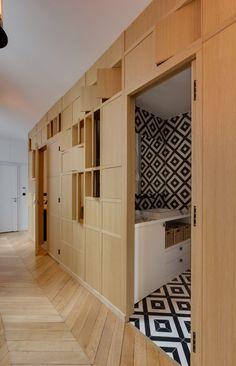 Entrée et ouverture sur salle de bain Appartement parisien de 75m2- GCG ARchitectes