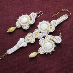 #wedding #weddingideas #weddingtrends #soutache #jewelry #jewelrydesign #jewelryinspiration #jewelryset #unique #bridal #weddingjewelry #bridaljewelry #jewelryforbride #forbride #bride #handmade #handmadejewelry #earrings #bracelet