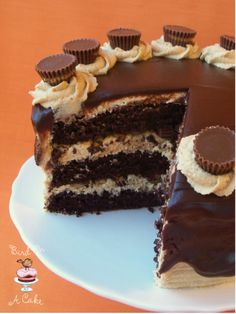 Creative Image of Peanut Butter Chocolate Birthday Cake . Peanut Butter Chocolate Birthday Cake Bird On A Cake Reeses Peanut Butter Chocolate Cake Think I Just Reese Peanut Butter Cake, Chocolate Peanut Butter, Peanut Butter Cups, Just Desserts, Delicious Desserts, Yummy Food, Reeses Cake, Reese's Chocolate, Cake For Husband