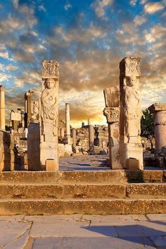 The Hercules Gate, Ephesus, Turkey. Ephesus is considered one of the great outdoor museums of Turkey, in fact perhaps of the world. Places Around The World, Oh The Places You'll Go, Places To Travel, Places To Visit, Around The Worlds, Kusadasi, Ancient Ruins, Ancient History, Ancient Greek