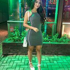 Night #simplesvaidade ▫ #lookbook #lookoftheday #dress #girlfashion #morena #cabelosdivos #fashiongirl #lookofthenight #perfeita #elegance #vestido #lookdeldia #salto #look #looklindo #bolsa #musa #boanoite #buenasnoches #goodnight #night #fitness #saturdaynight #chic #festa #sabado #saturday #elegante