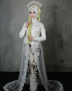 Kebaya Wedding, Muslimah Wedding Dress, Hijab Style Dress, Muslim Wedding Dresses, Wedding Hijab, Wedding Gowns, Javanese Wedding, Indonesian Wedding