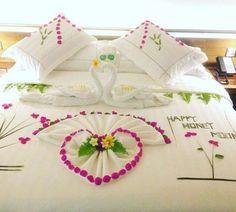 Hideaway Beach Romantic Surprise, Romantic Proposal, Romantic Night, Heart Decorations, Wedding Decorations, Romantic Bedroom Design, Towel Origami, Wedding Bedroom, Towel Animals