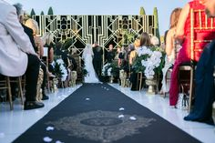 Ceremony runner and backdrop - Great Gatsby theme {So Eventful}
