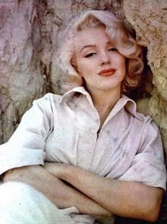I so love Marilyn's hair at this length - wish I could pull this off and look this cool