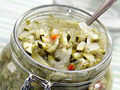 Kesäkurpitsapikkelssi - Reseptit - Yhteishyvä My Favorite Food, Favorite Recipes, Deli, Preserves, Pasta Salad, Potato Salad, Cabbage, Bakery, Chicken