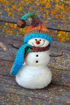 Needle Felted #Snowmen - I think my bessie Anita would love this:) by SAburns
