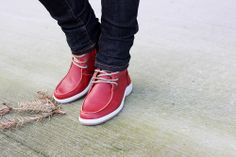 Fashion blogger Aurélie (www.lovelifelovefashion.be) wearing her MPS 4148G boots in red from MAG Shoes.