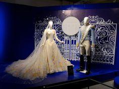 シンデレラ 映画で着用したドレス ©Disney
