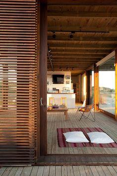 2-beach-house-dustjacket-attic
