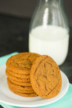 Soft and Chewy Gingersnap Cookies by Flynn Flynn (Brown Eyed Baker) Yummy Cookies, Cake Cookies, Yummy Treats, Sweet Treats, Cookies Soft, Cupcakes, Biscotti, Christmas Baking, Christmas Cookies