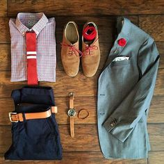 I like the reds in this picture! Great shot by @chrismehan Take a look at his content! Also follow us @votrends for more #outfitgrids of menswear! #mensfashion #menswear #menstyle #menwear #men #dapper #dappermenswear #springbreak #style #springoutfit #ootd #outfitoftheday #clothing #clothesline #ootd #luxury #luxuryclothes #follow #blogger