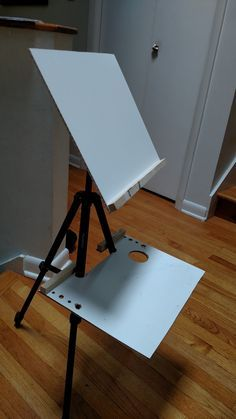 I share how I made kid plein air easels for my children. It is relatively easy and inexpensive.