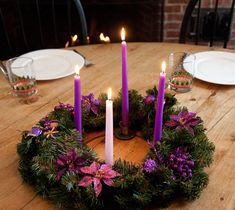 100+ Cheap and Easy Christmas Centerpiece Ideas that you can Make in a Jiff - Hike n Dip Christmas Candle Decorations, Christmas Vases, Advent Candles, Christmas Arrangements, Christmas Tablescapes, Modern Christmas, Simple Christmas, Christmas Diy, Reindeer Christmas