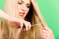 How to find and get rid of those pesky split ends. Spit ends can make your hair look unhealthy and frizzy. Luckily these tricks will help you get rid of split ends quickly. Cut Hair At Home, Short Hair Cuts, Short Hair Styles, Premature Grey Hair, How To Cut Your Own Hair, Long Hair Tips, Just Girly Things, Split Ends, Damaged Hair