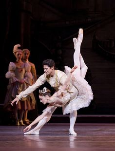 Thiago Soares as Prince Florimund and Marianela Nuñez as Princess Aurora in the Sleeping Beauty. © Johan Persson 2011