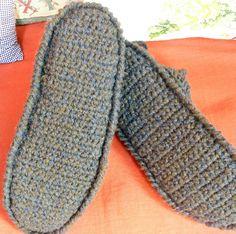 Pantofole. Una mia idea: doppia suola per inserire soletta di feltro.