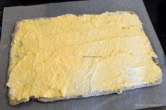 Prăjitură de casă cu mac și cremă de vanilie - rețeta cu blaturi din albușuri   Savori Urbane Sweet Desserts, Cheesecake, Mac, Dairy, Bread, Recipes, Food, Diet, Cheesecakes
