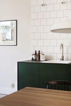Cuisine verte / Green kitchen Home decor Interior design Interior Desing, Home Design Decor, Küchen Design, Home Decor, Design Trends, Design Blogs, Color Trends, Design Ideas, Green Kitchen