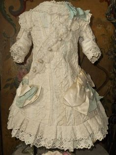 Beautiful French Hand Embroidery Bebe Costume with Bonnet