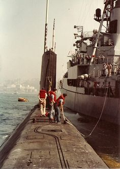 """USN – """"USS SKATE"""" (SSN-578) was a (267.7') Skate Class Nuclear Submarine – Commissioned: 23 December 1957 – Crew: 8 Officers and 76 Enlisted – Armament: 8 x 21 Inch (530mm) Torpedo Tubes (6 Forward and 2 Aft) Decommissioned: 12 September 1986 and went Through the Submarine Recycling Program (2)"""