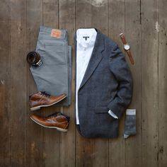Classic look for Sundays Best. #mycreativelook Shirt: @expressmen Vintage Blazer: Farah Clothing Co Pants: @levis Watch & Belt: @fossil Shoes: @bullboxershoes Socks: @luckybrand