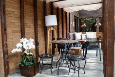 Sala de jantar na CASA COR SP 2015 decorada com arte e fotografias - Casa